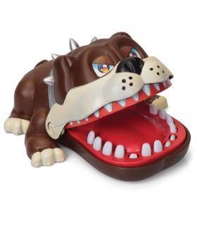 Pies atakuje