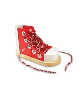 Drewniany but do sznurowania