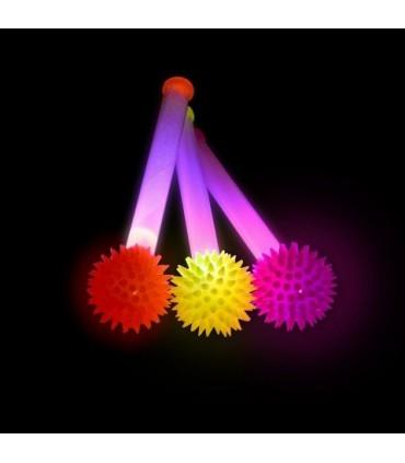 Świecący kijek z piłką z kolcami